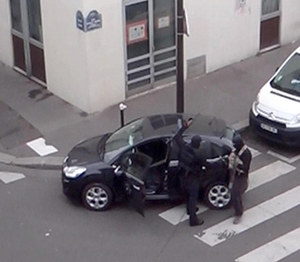 Charlie Hebdo, emerge nuovo video: la fuga dopo la strage