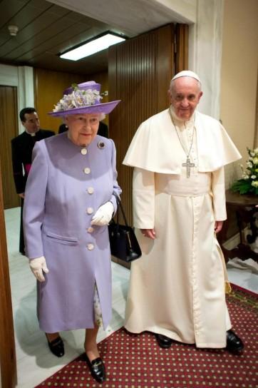 Papa Francesco e la regina elisabetta