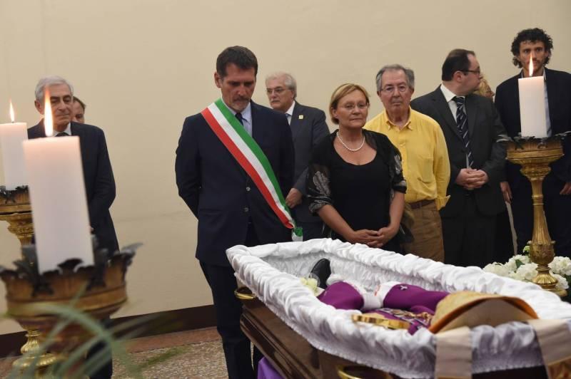 Huldigung Bürgermeister von Bologna Giacomo Biffi