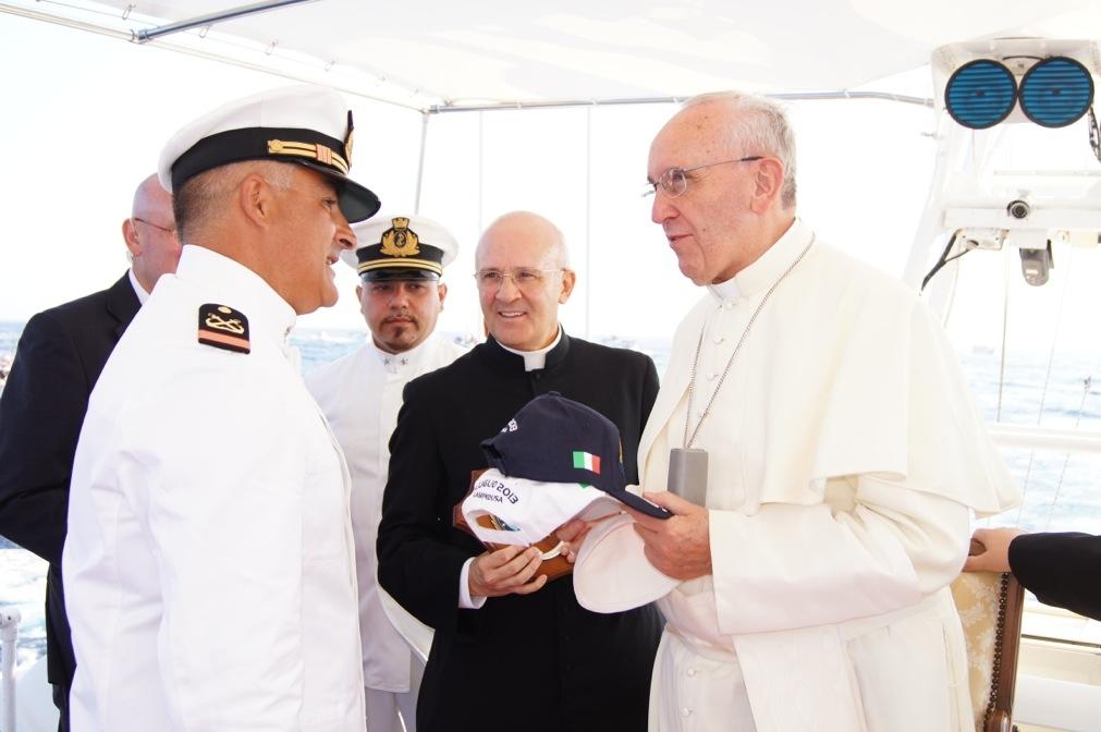 papa copricapo 11
