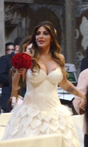 noiva à igreja 2 Gwendolyn Tavassi e Umberto D Aponte