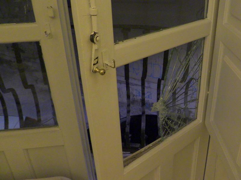 furto vetro rotto